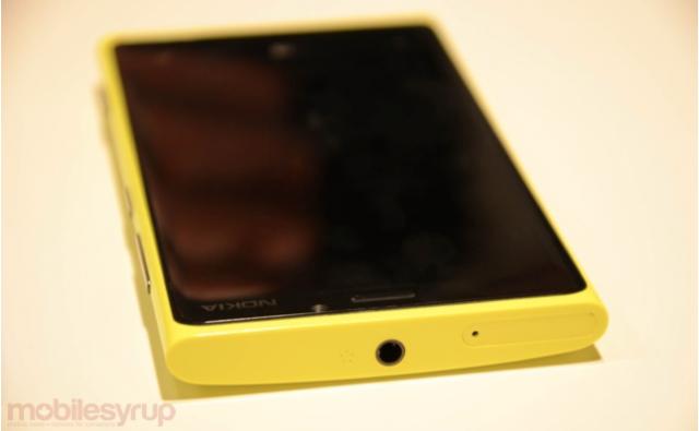 yellow-nokia-920