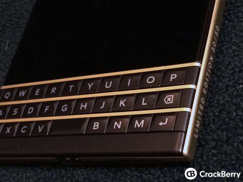 BlackBerry-Gold-And-Black-Keyboard