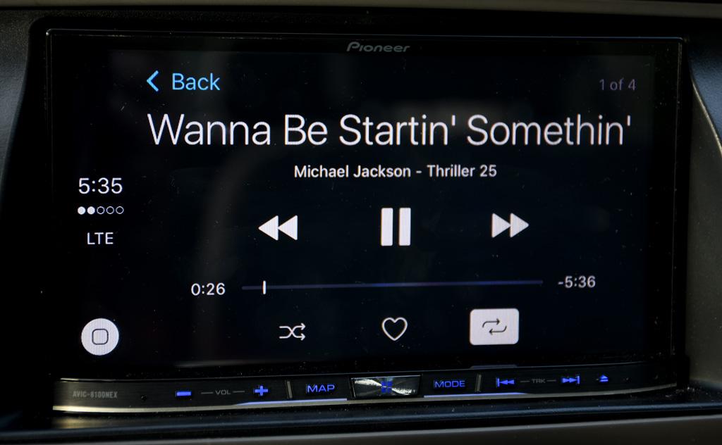 CarPlay playback screen_1