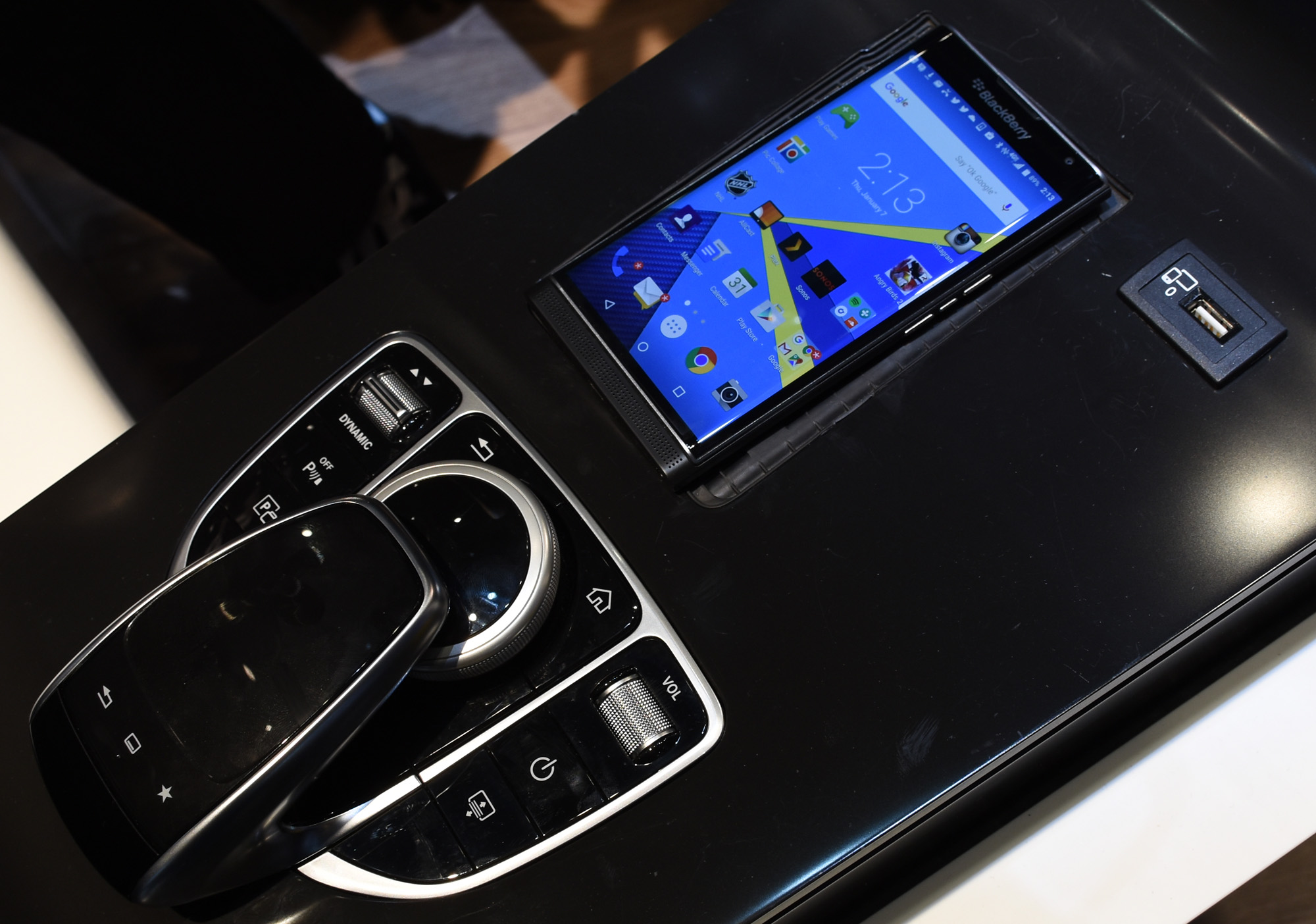 Priv charge in Mercedes mockup_1