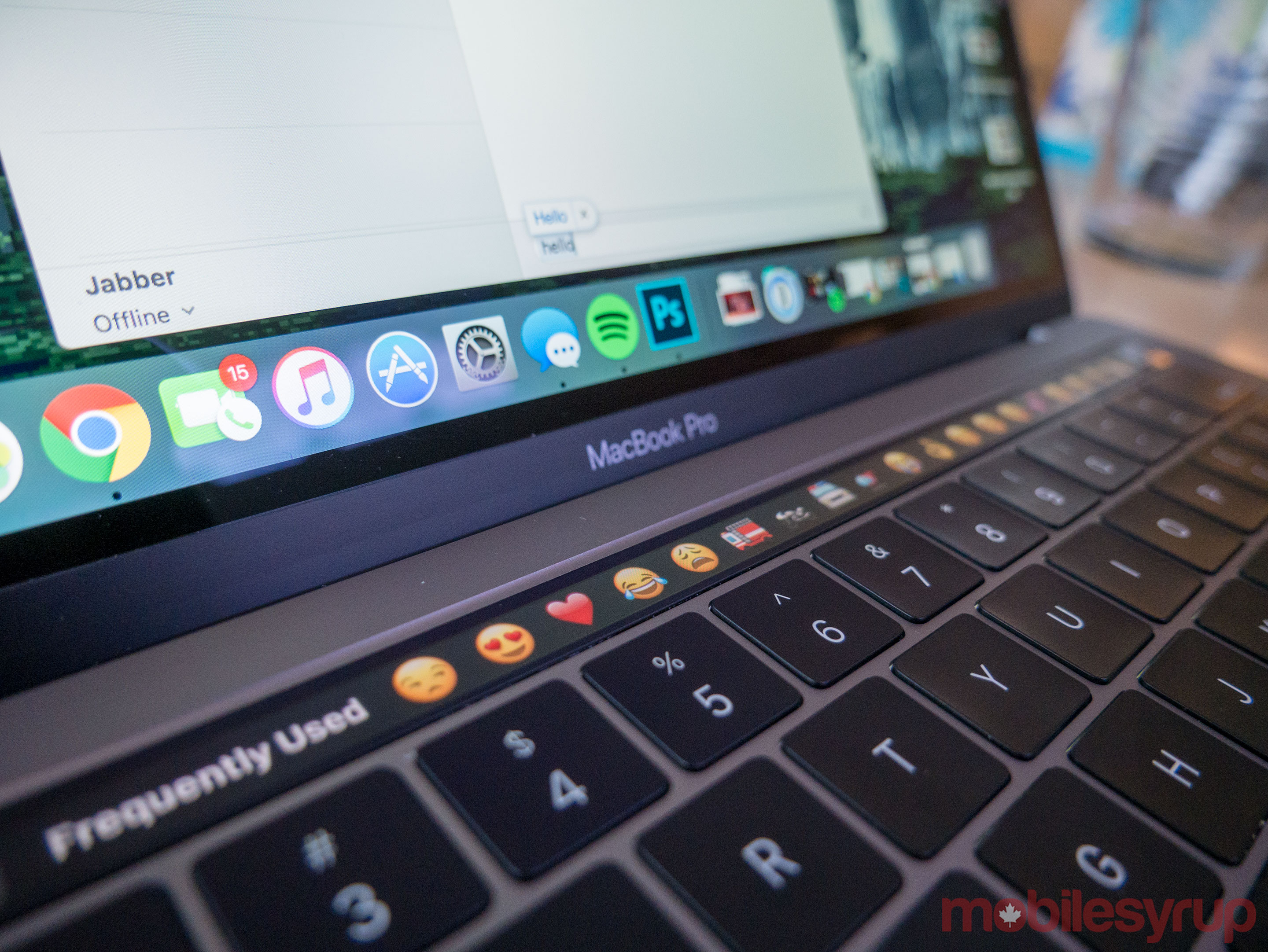 macbook2016touchbar-2