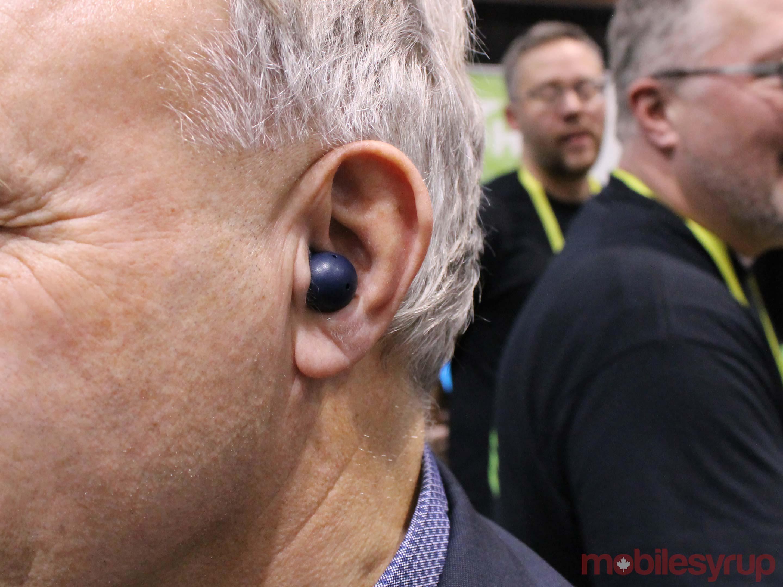 LIZN-hearables-in-use