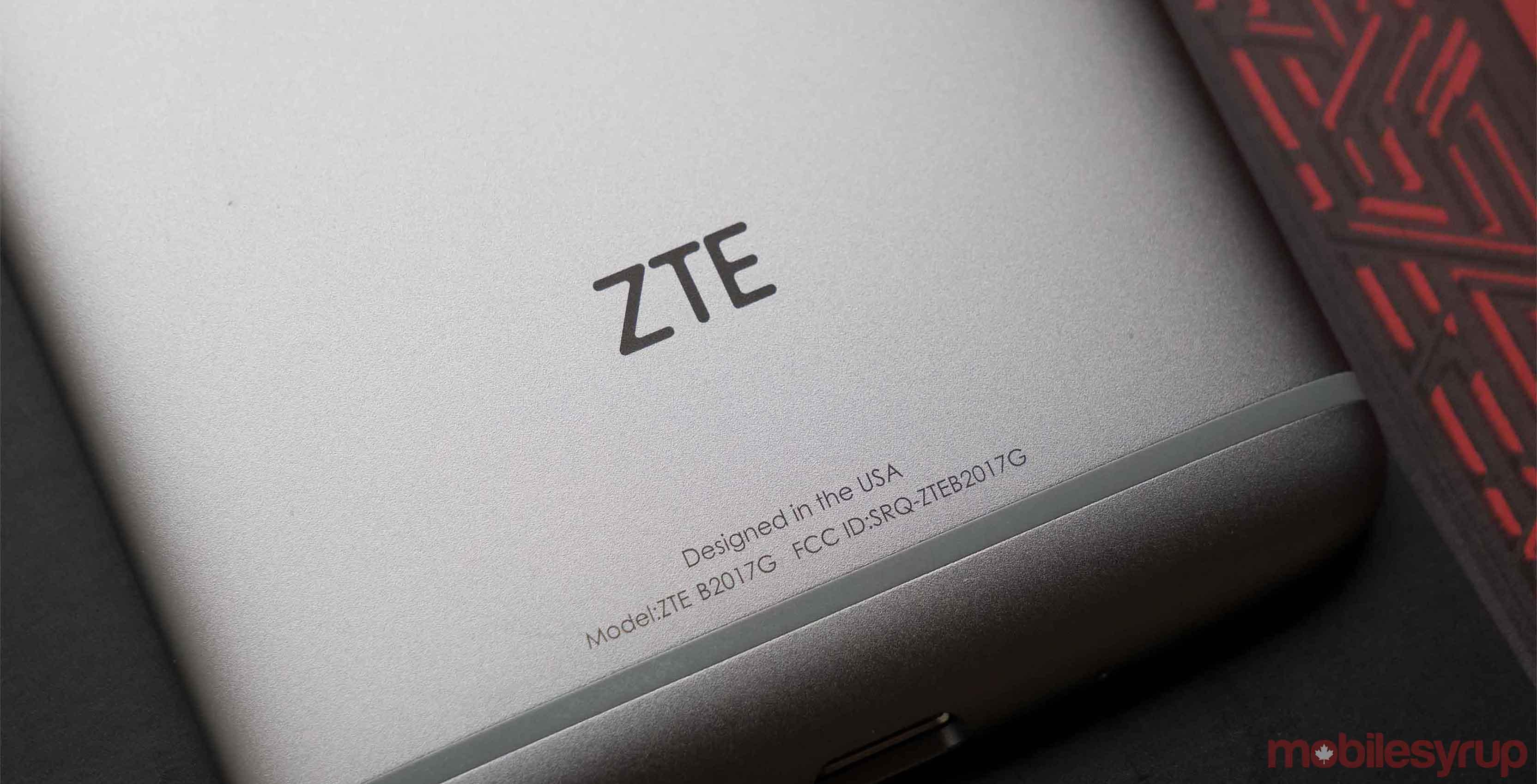 ZTE Axon 7 Mini smartphone