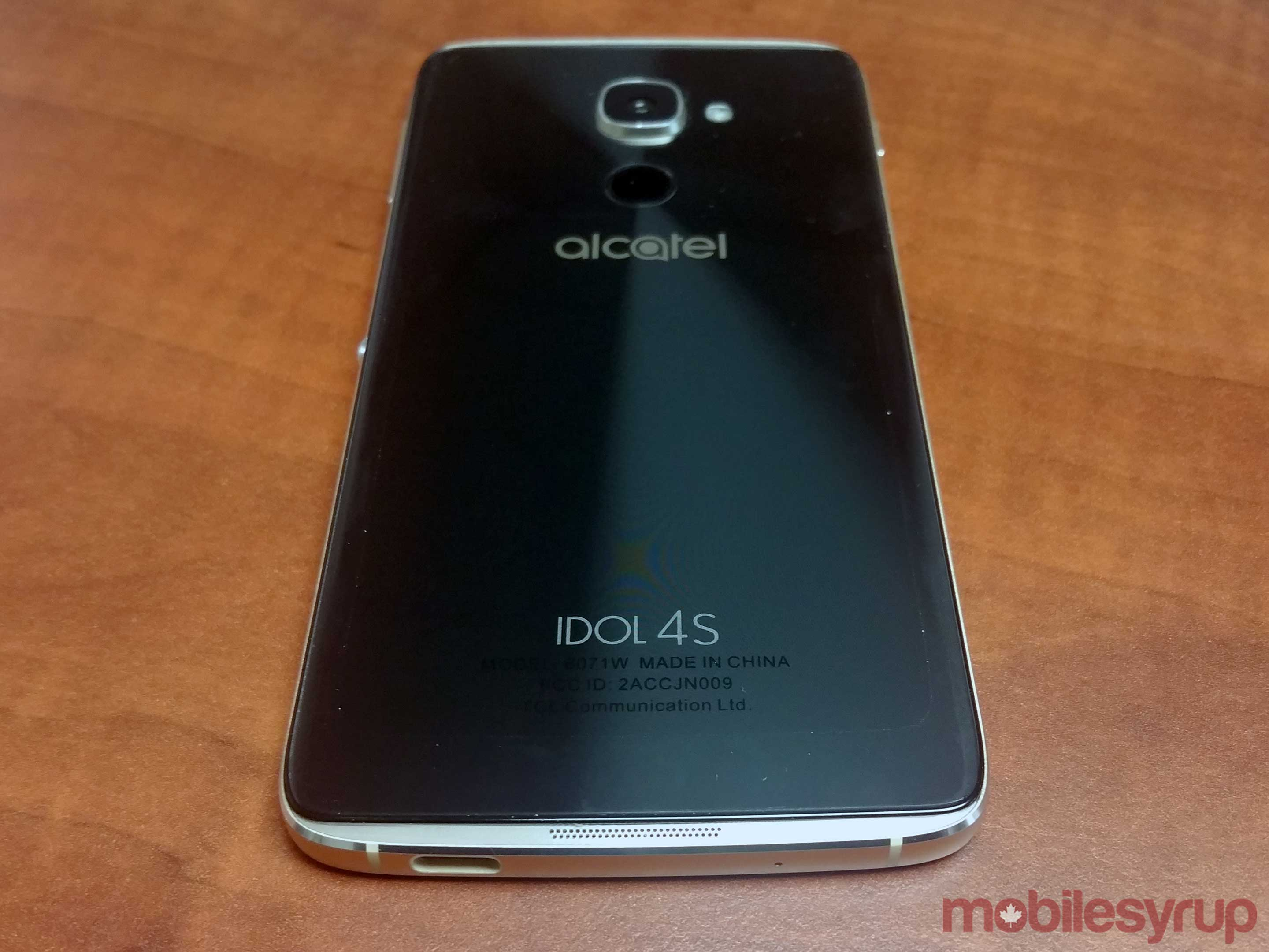 Back of Alcatel Idol 4S