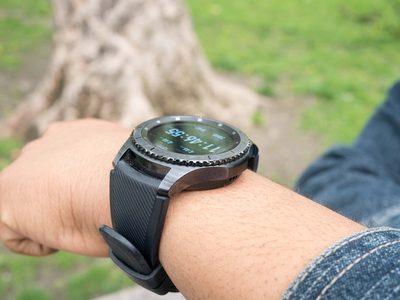 Gear S3 side view