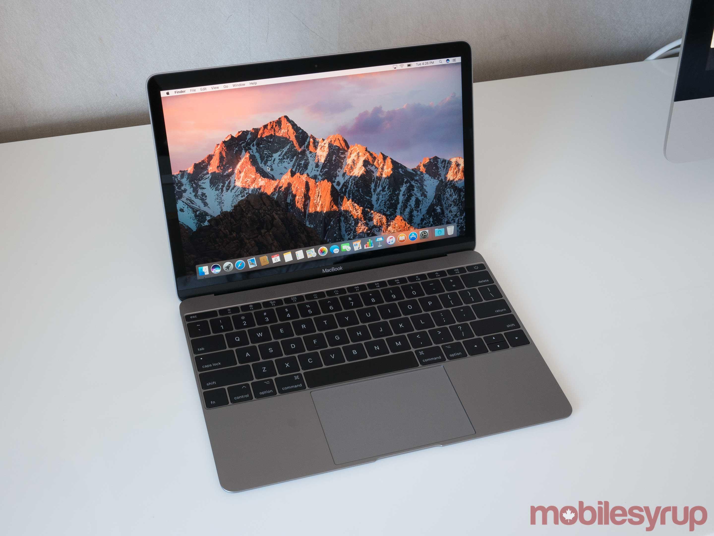 MacBook Pro Kaby Lake top view