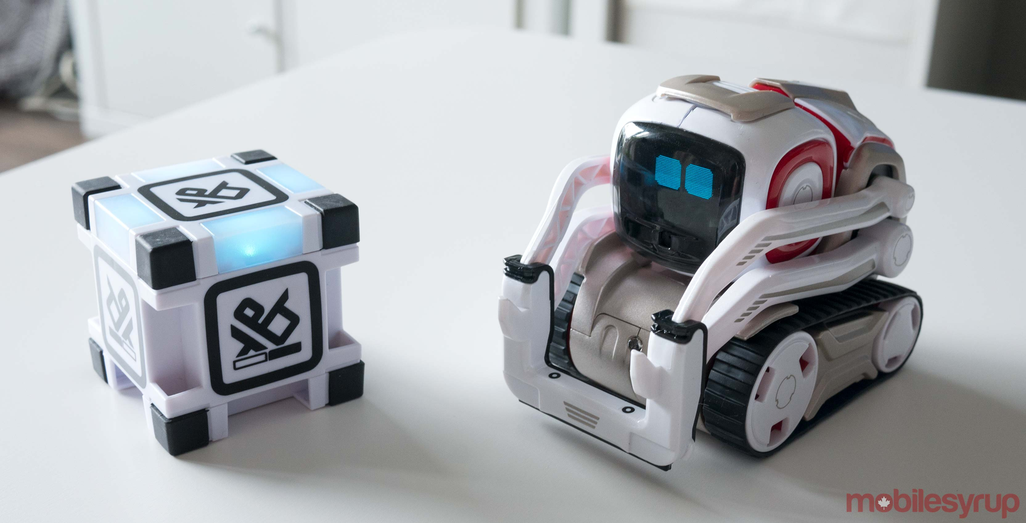 Cozmo and block