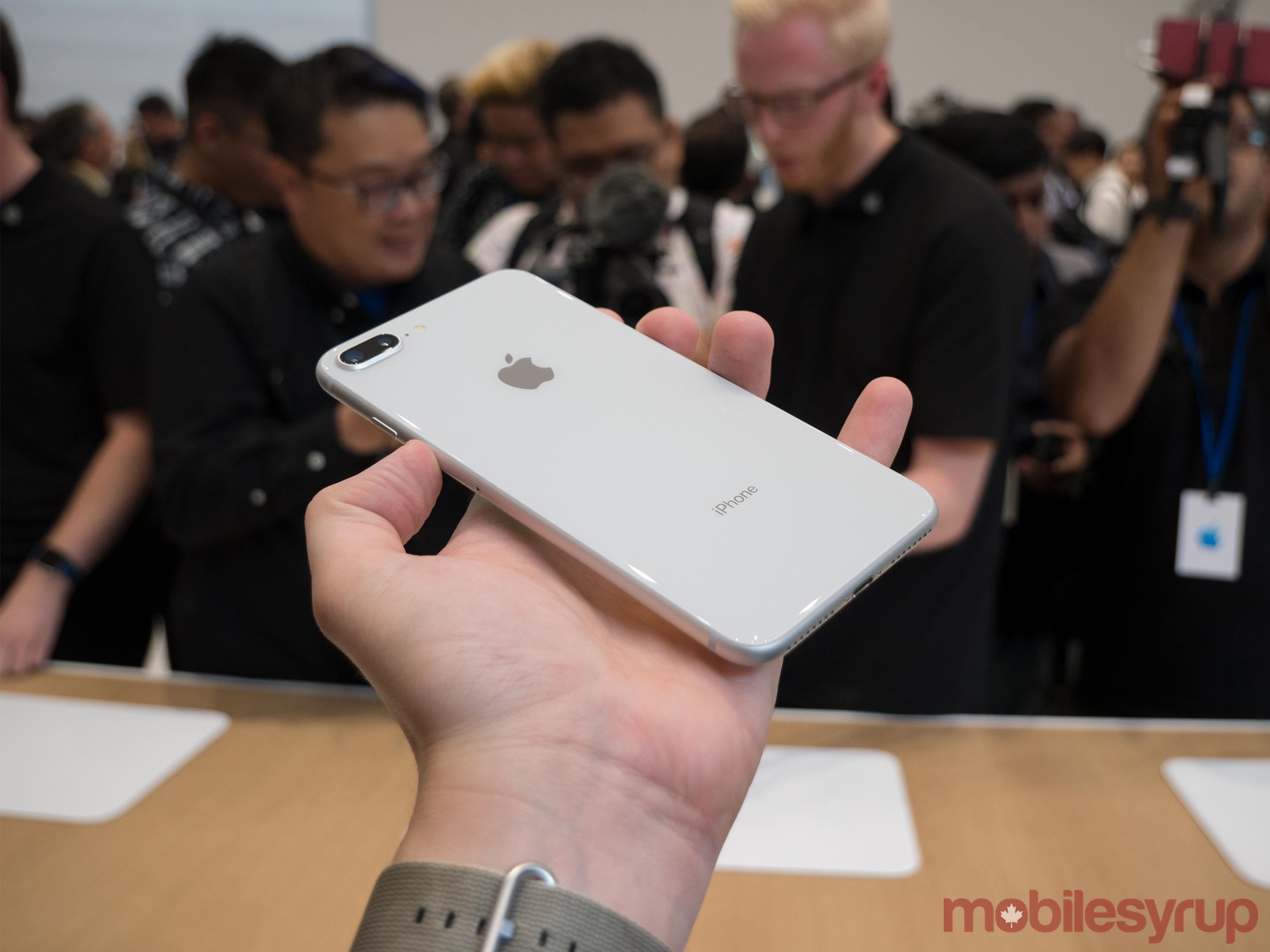 Side view of the iPhone 8 Plus