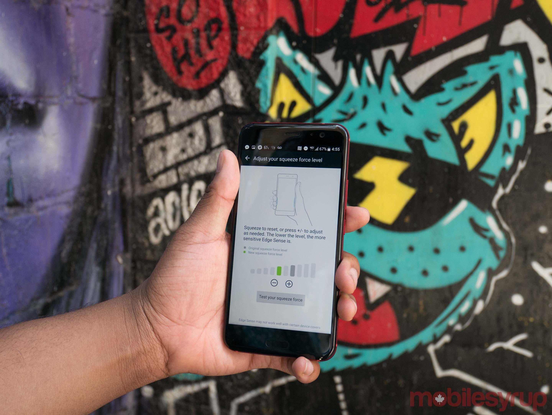 HTC U11 edge sense in front of grafiti