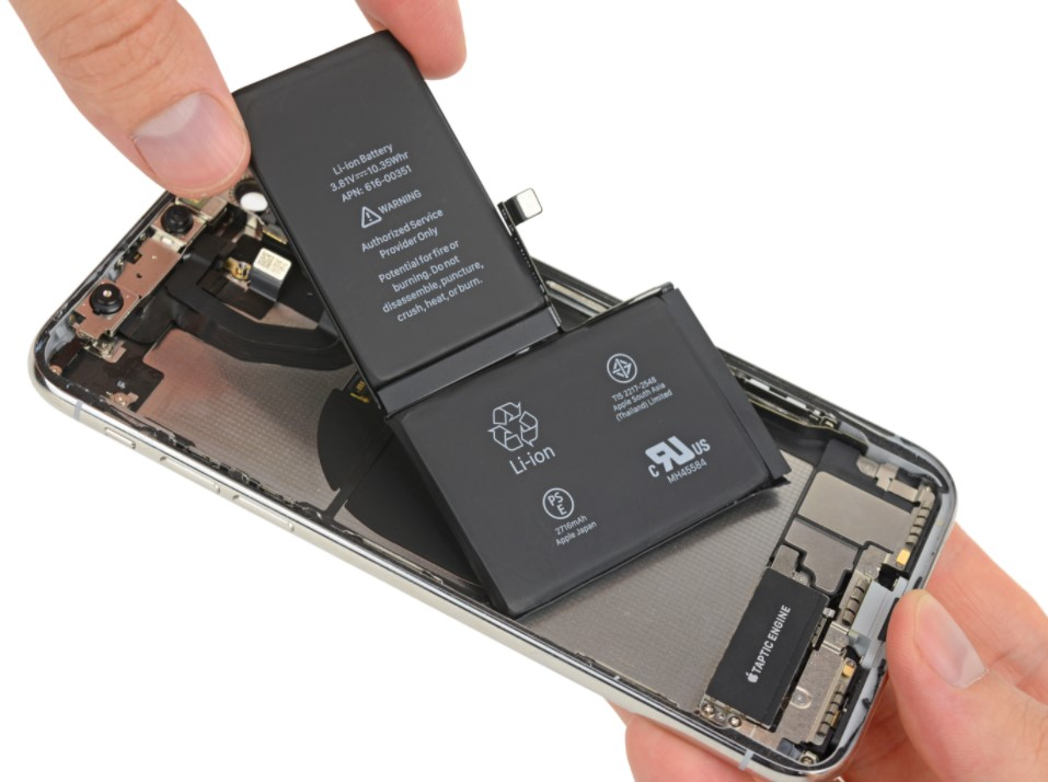 Image of the iPhone X's two-cell battery