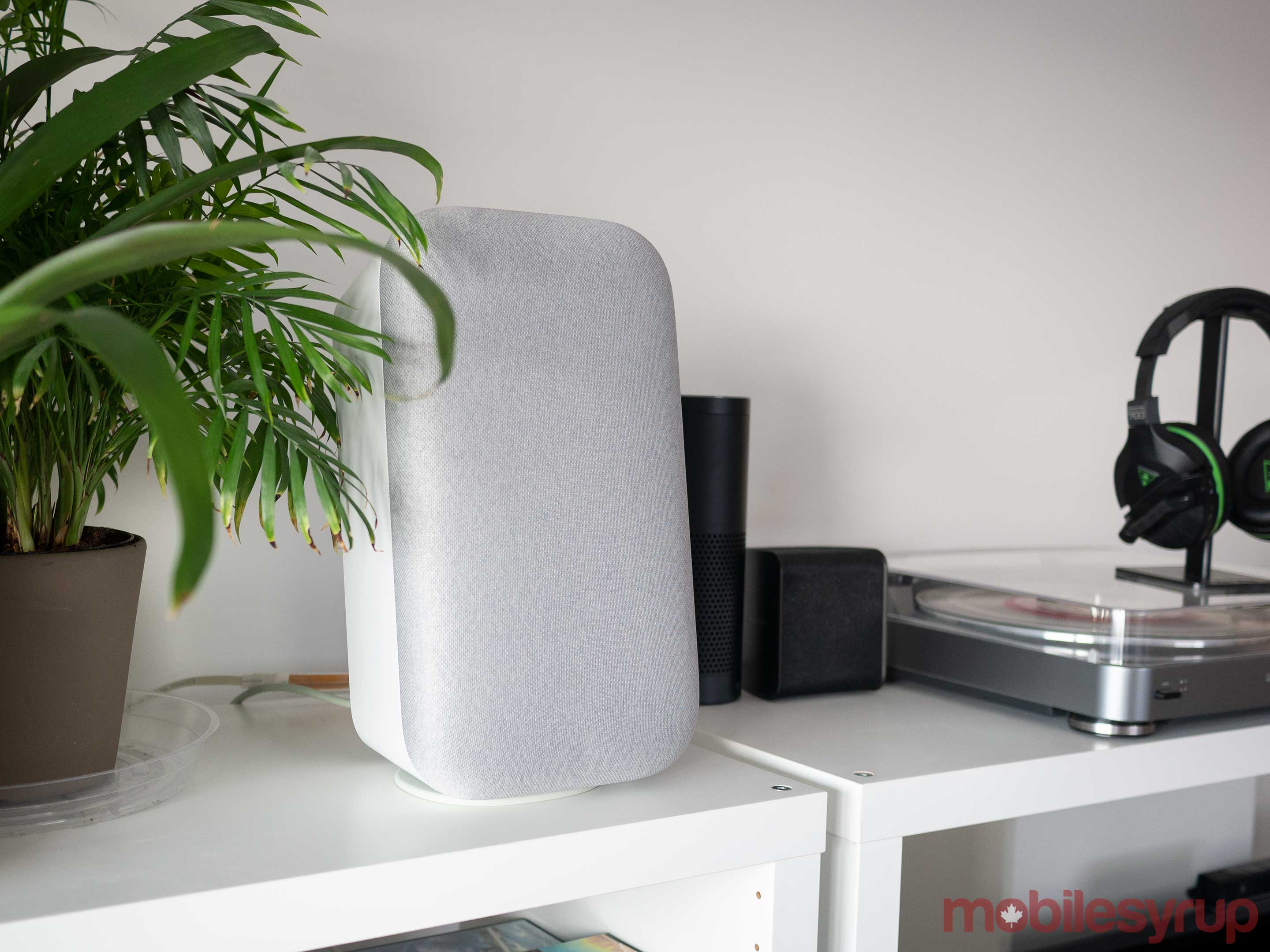 Google Home Max sitting vertically