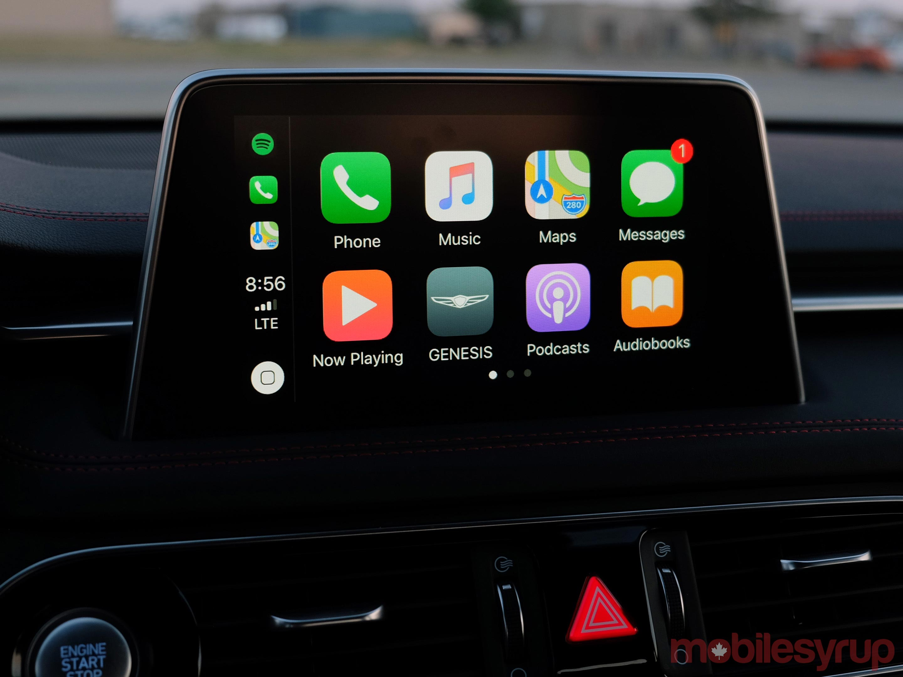 Hyundai Genesis G70 CarPlay