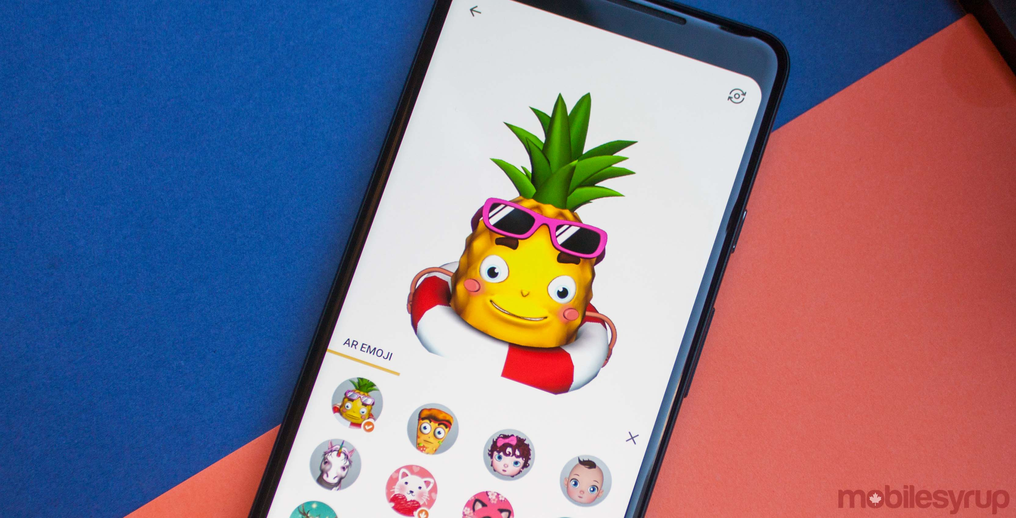 Pineapple AR emoji on Facemoji keyboard