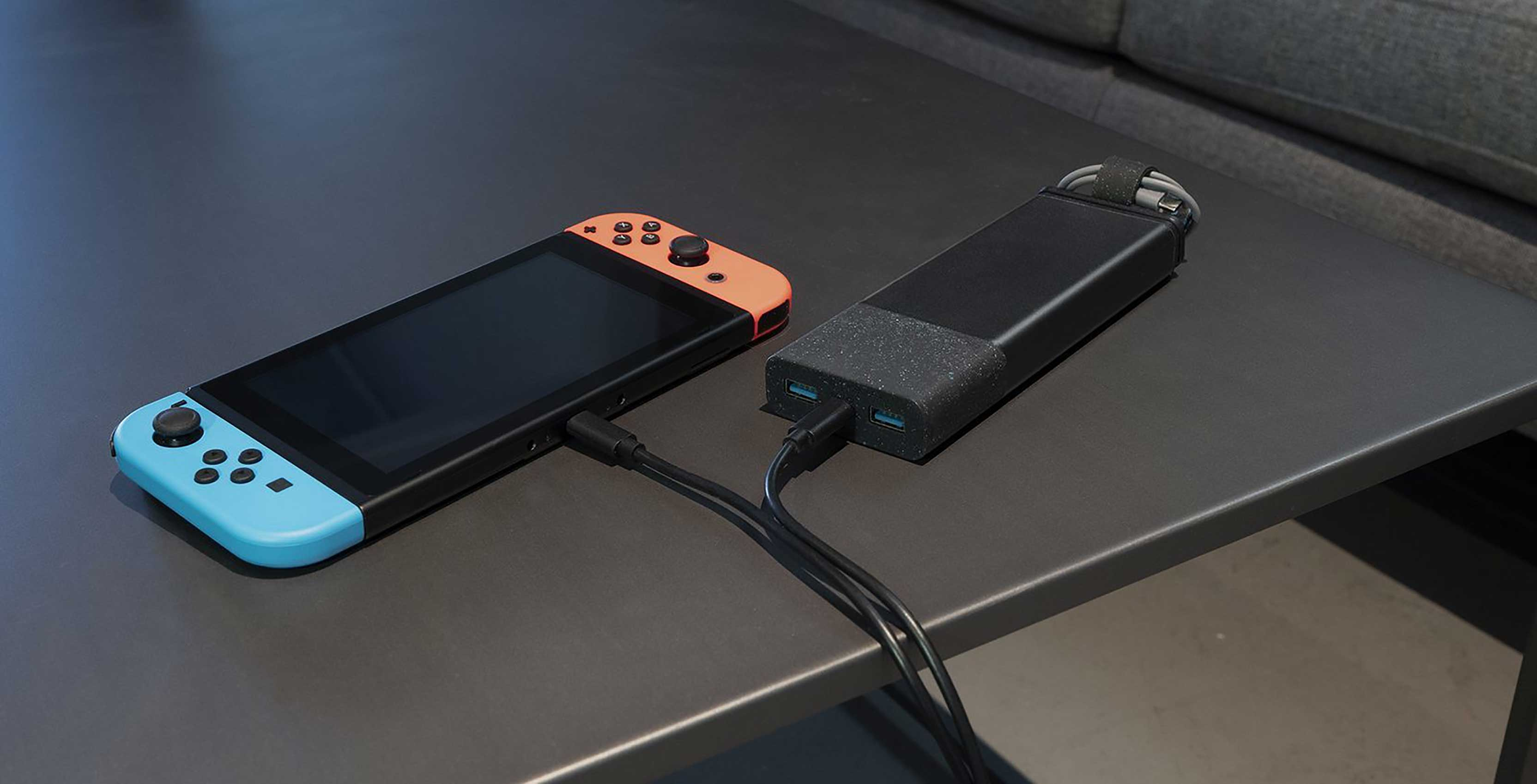 Nimble charging device connect to Nintendo Switch