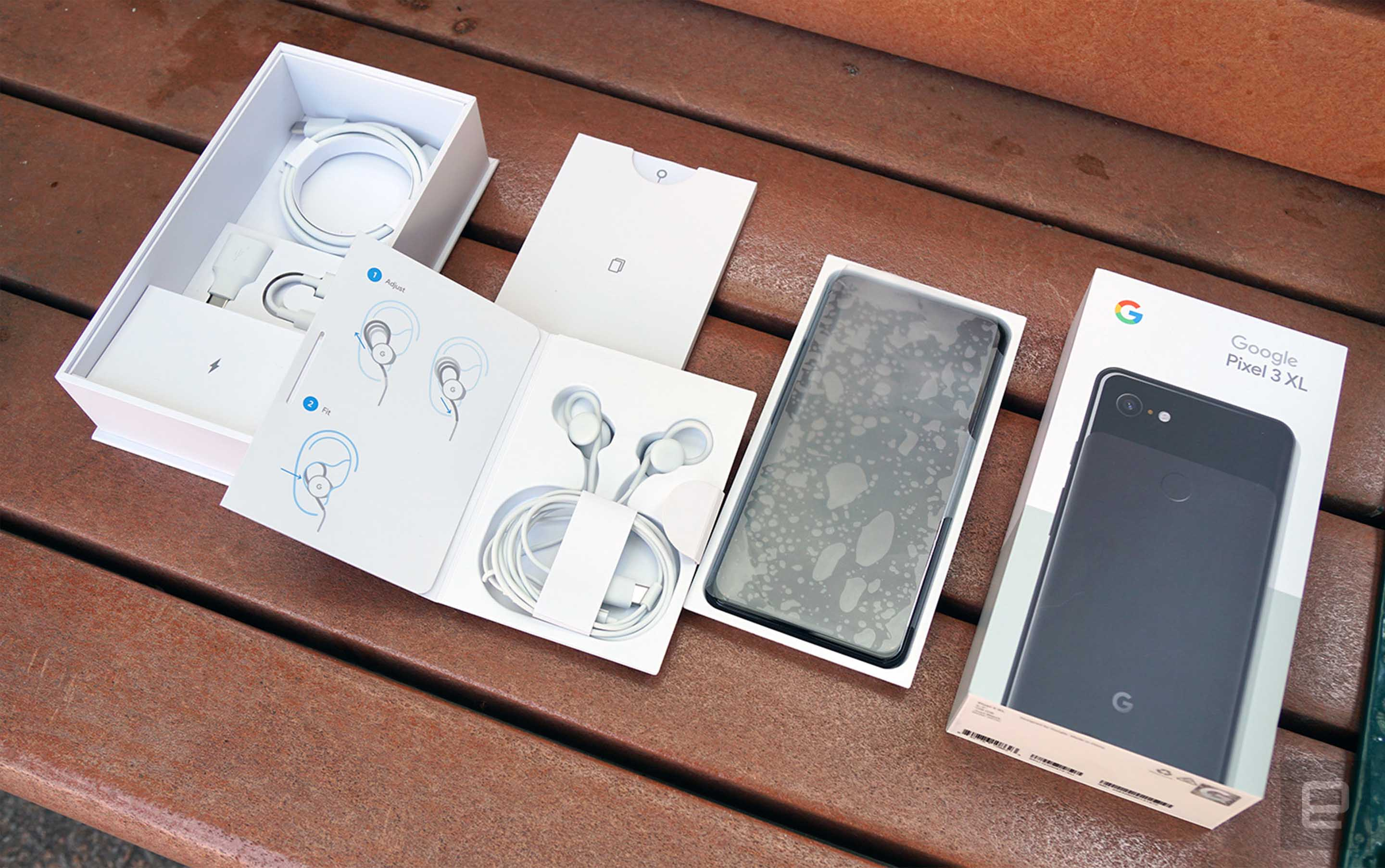 Pixel 3 XL box and accessories