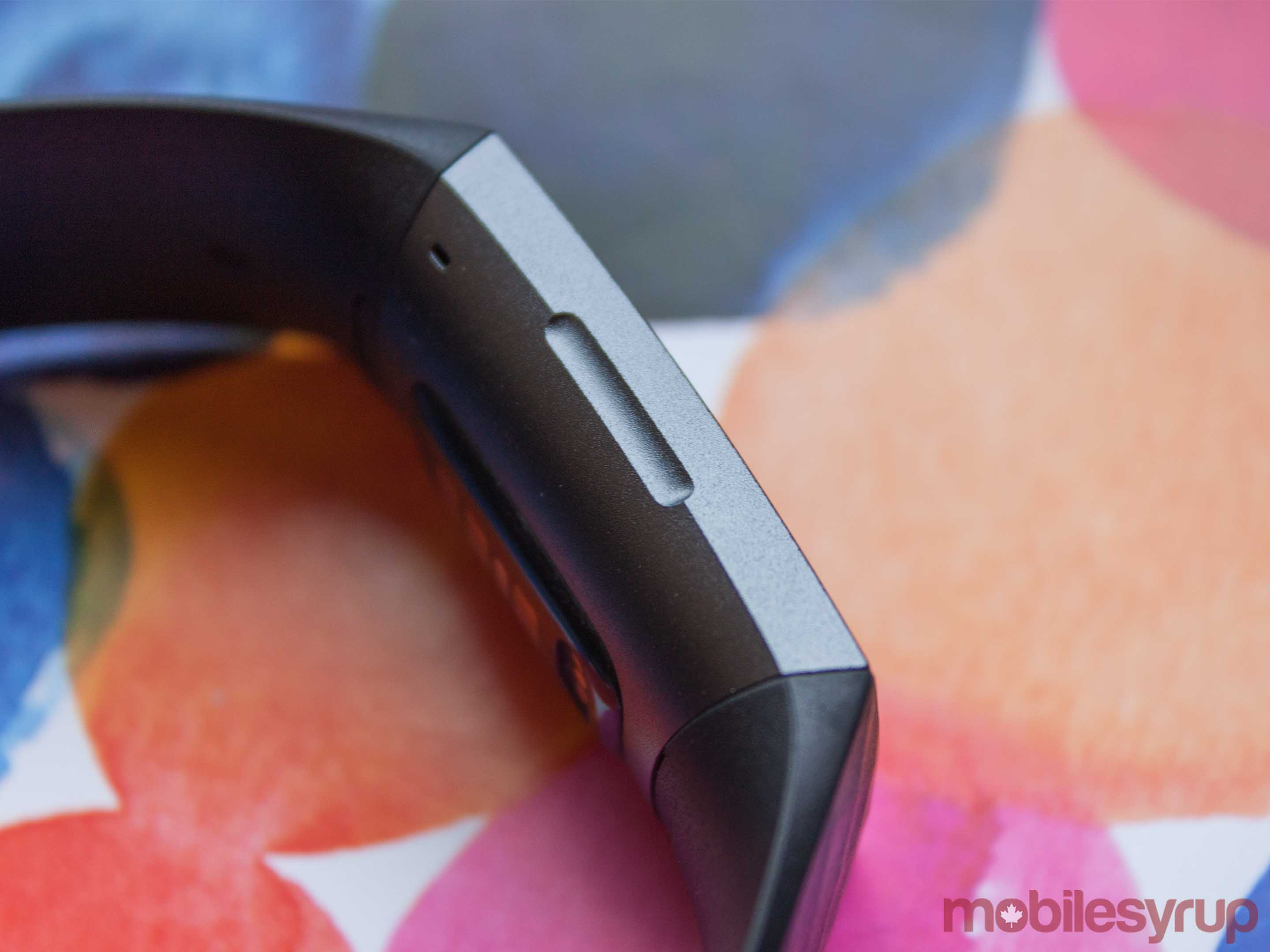 Fitbit Charge 3 inductive button