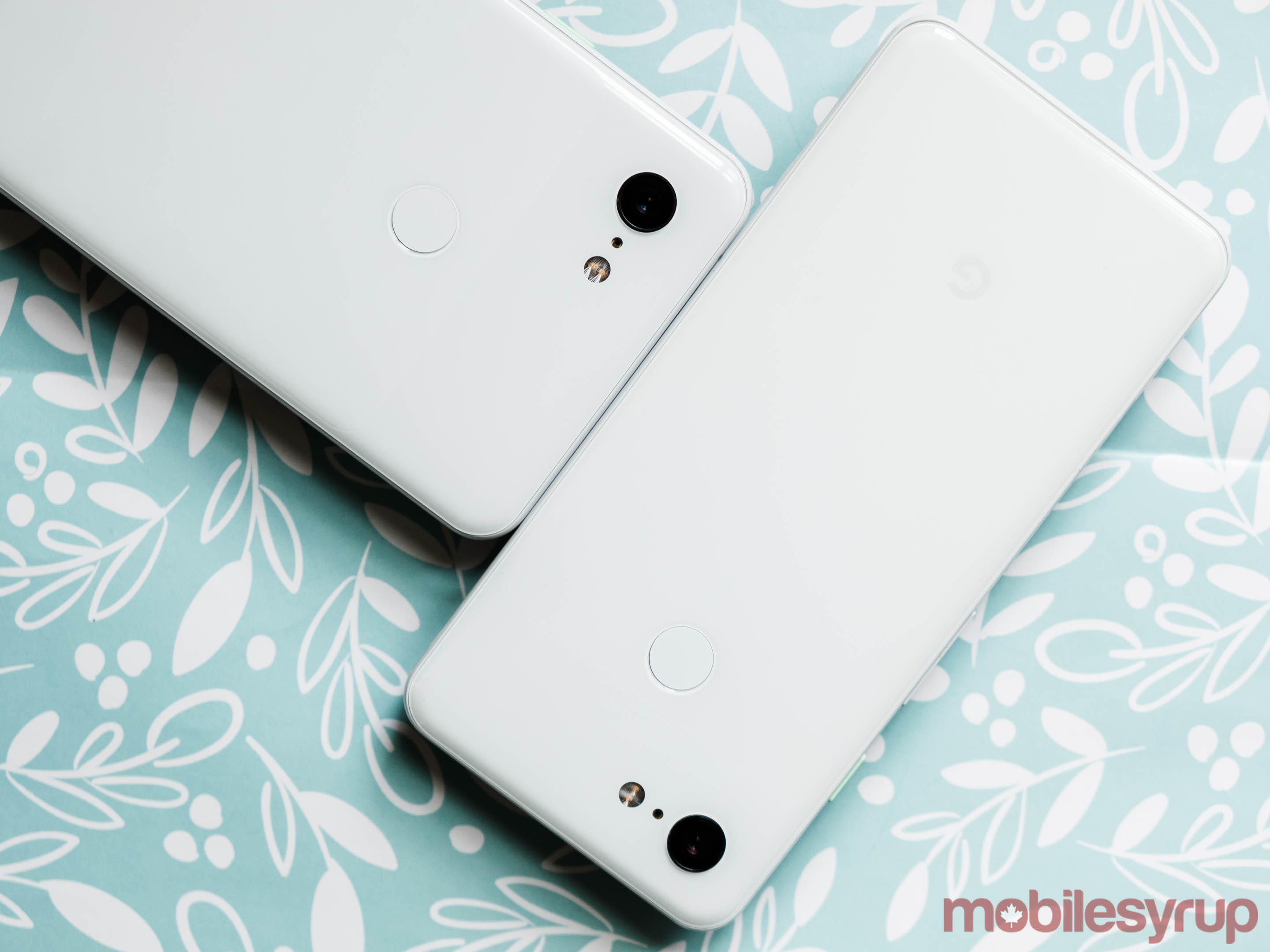 Pixel 3 and Pixel 3 XL side-by-side