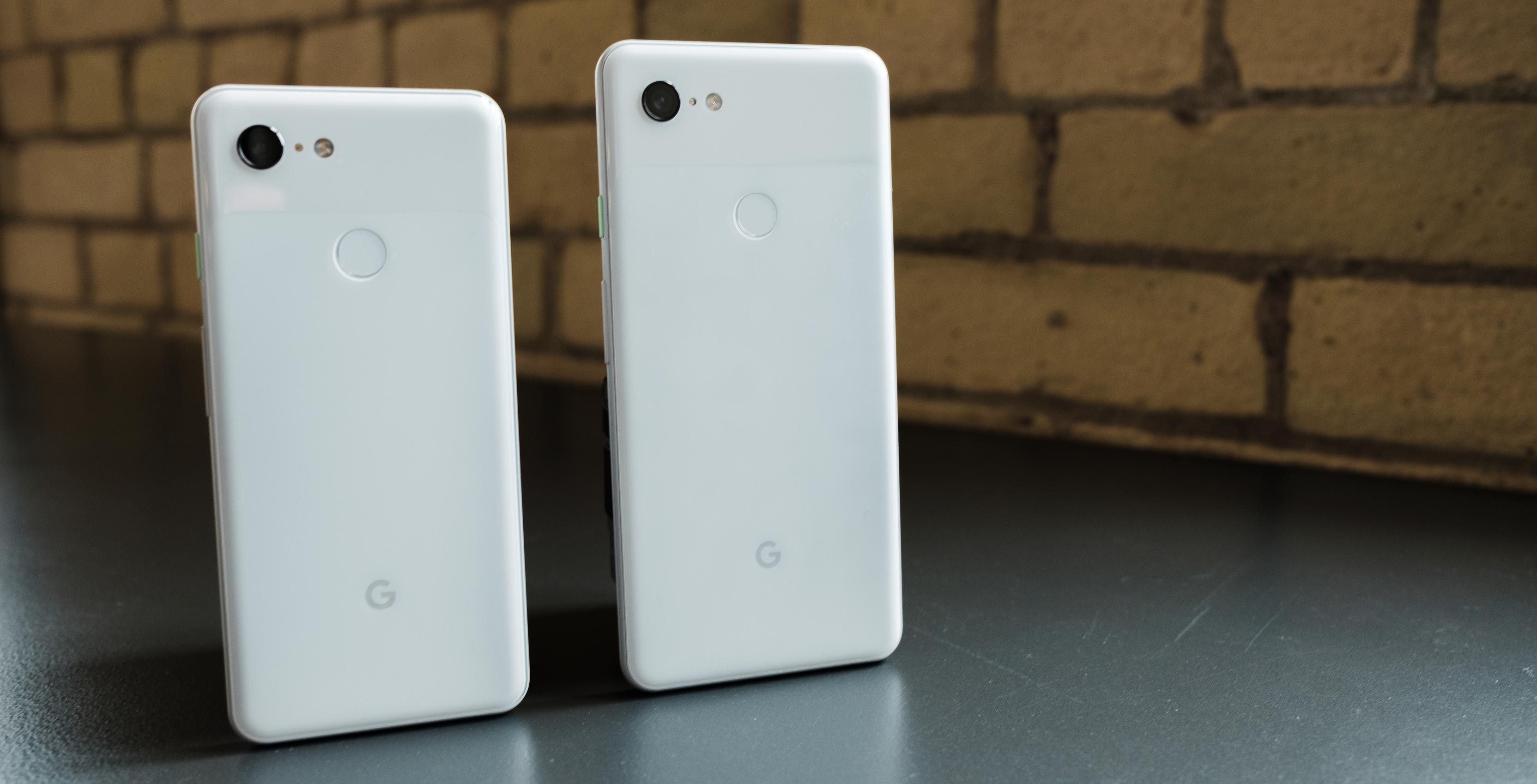 Google Pixel 3 and 3XL on table
