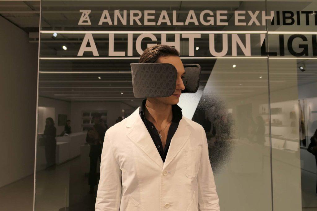 Wear Space on head