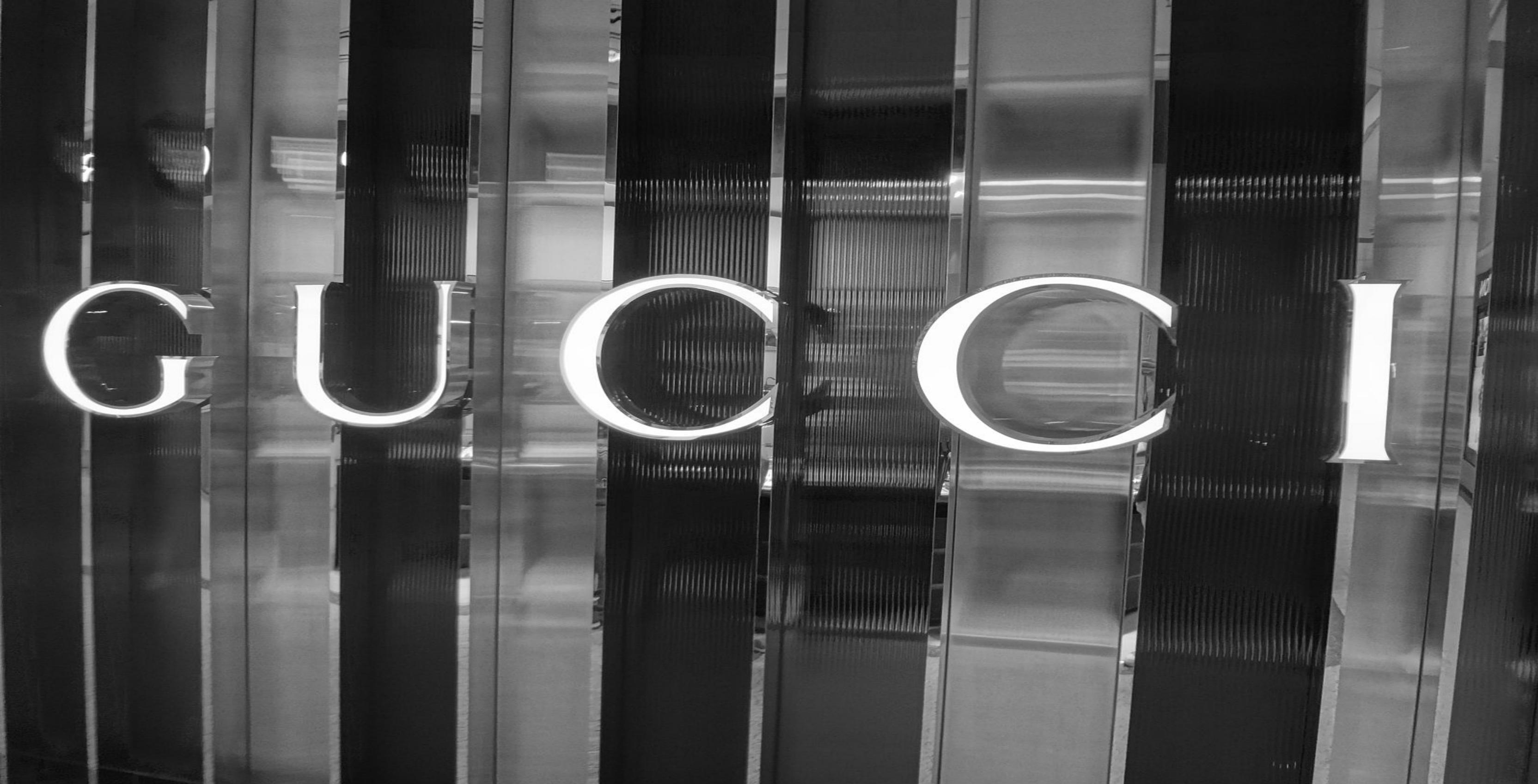 Gucci, Saint Laurent to create apps with Apple