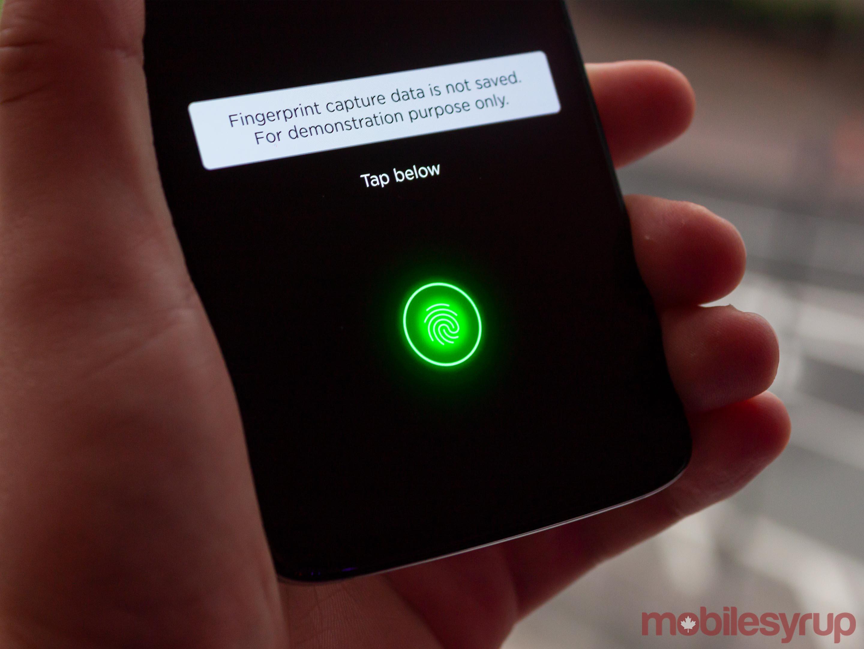 Moto Z4 in-display fingerprint scanner