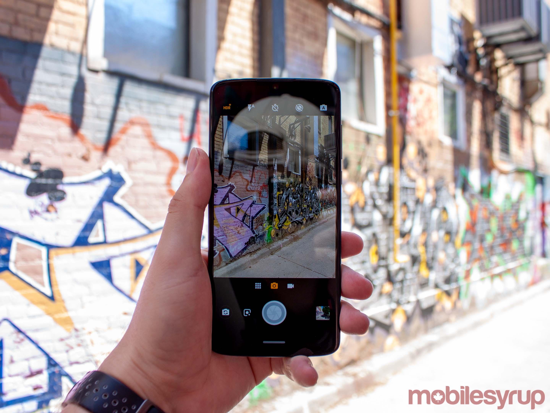 Moto Z4 camera app