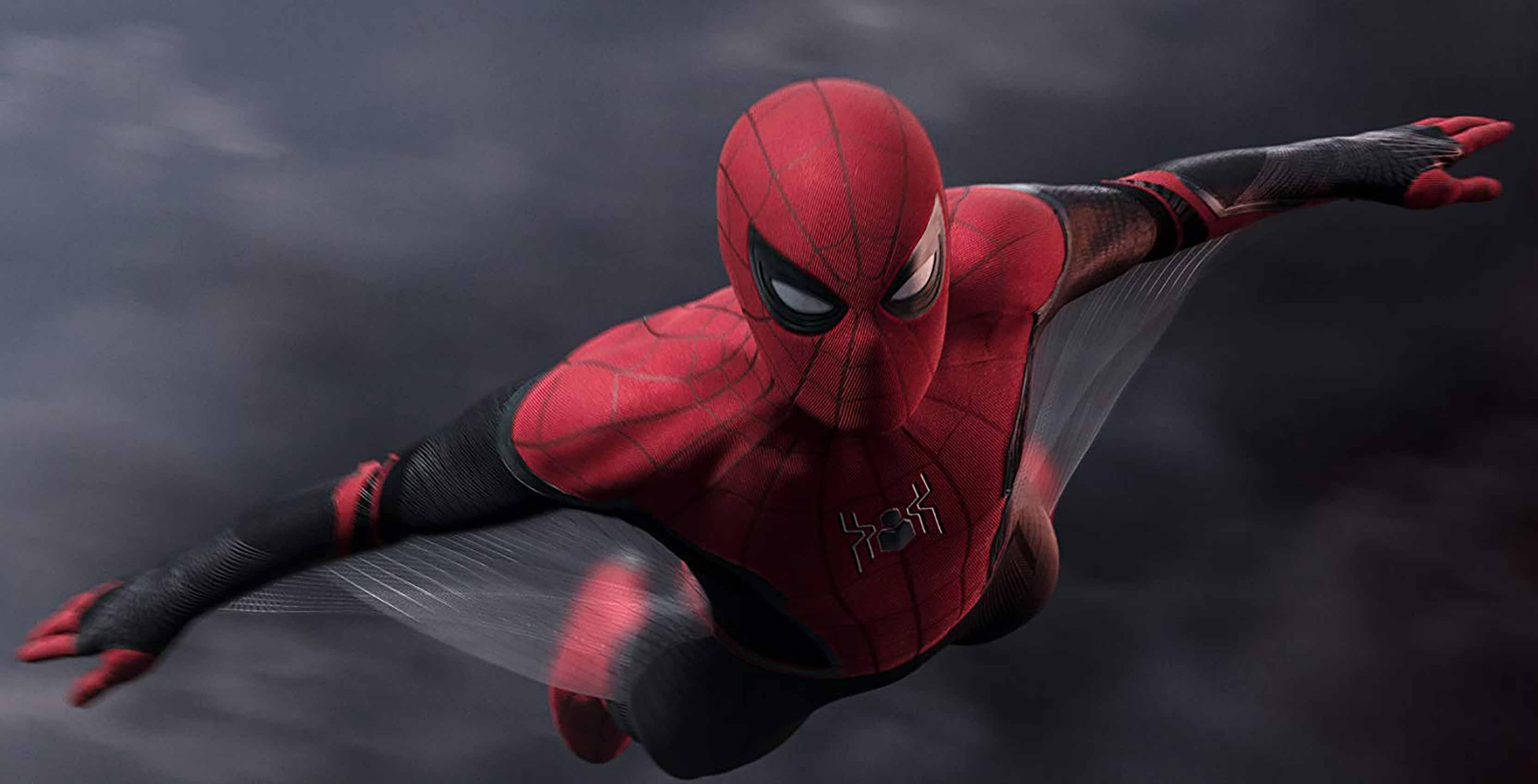 Spider-Man: Far From Home Spidey gliding