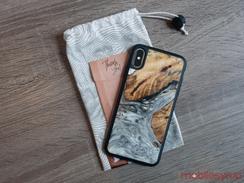 Carved smartphone case rear