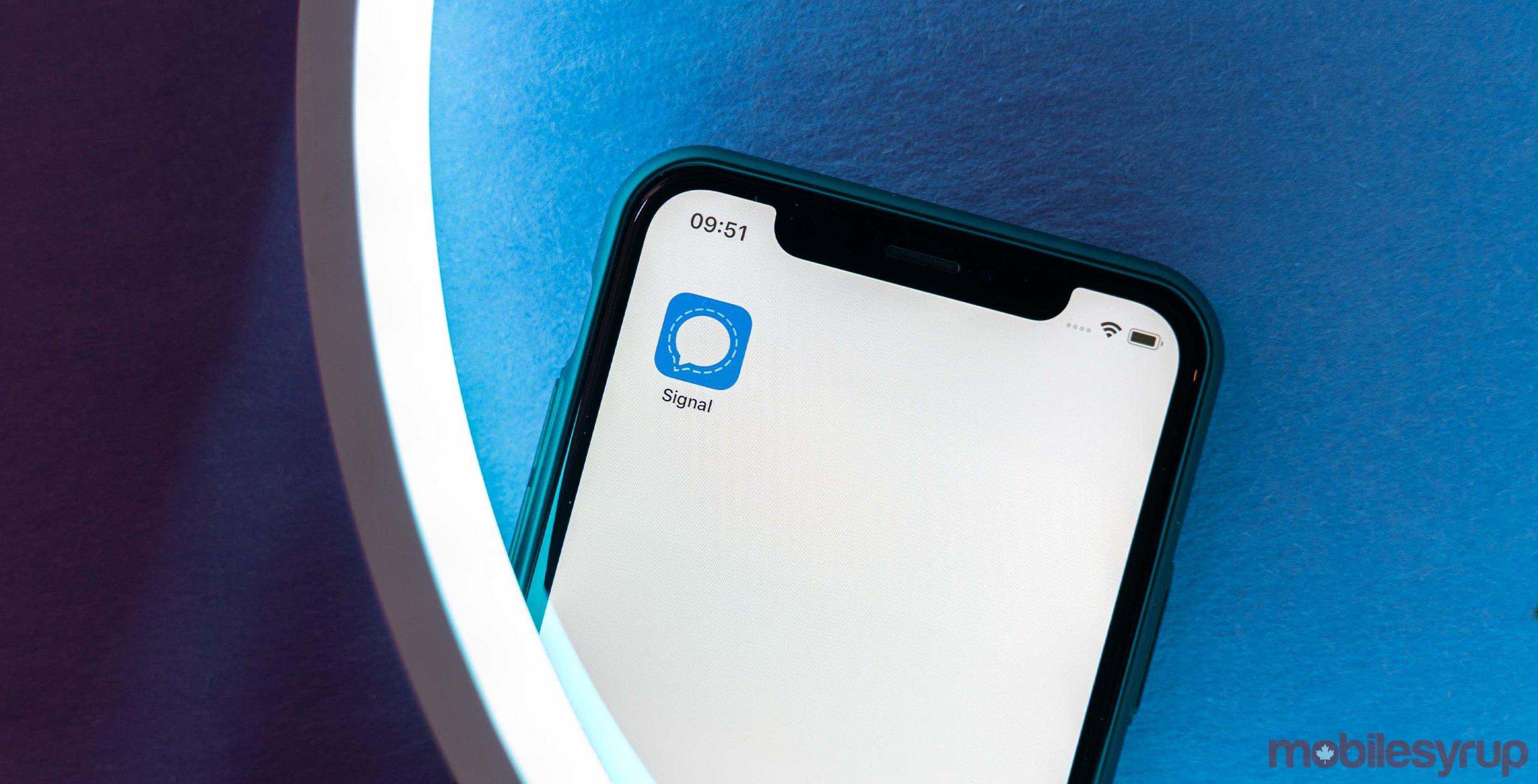 Signal app on iOS