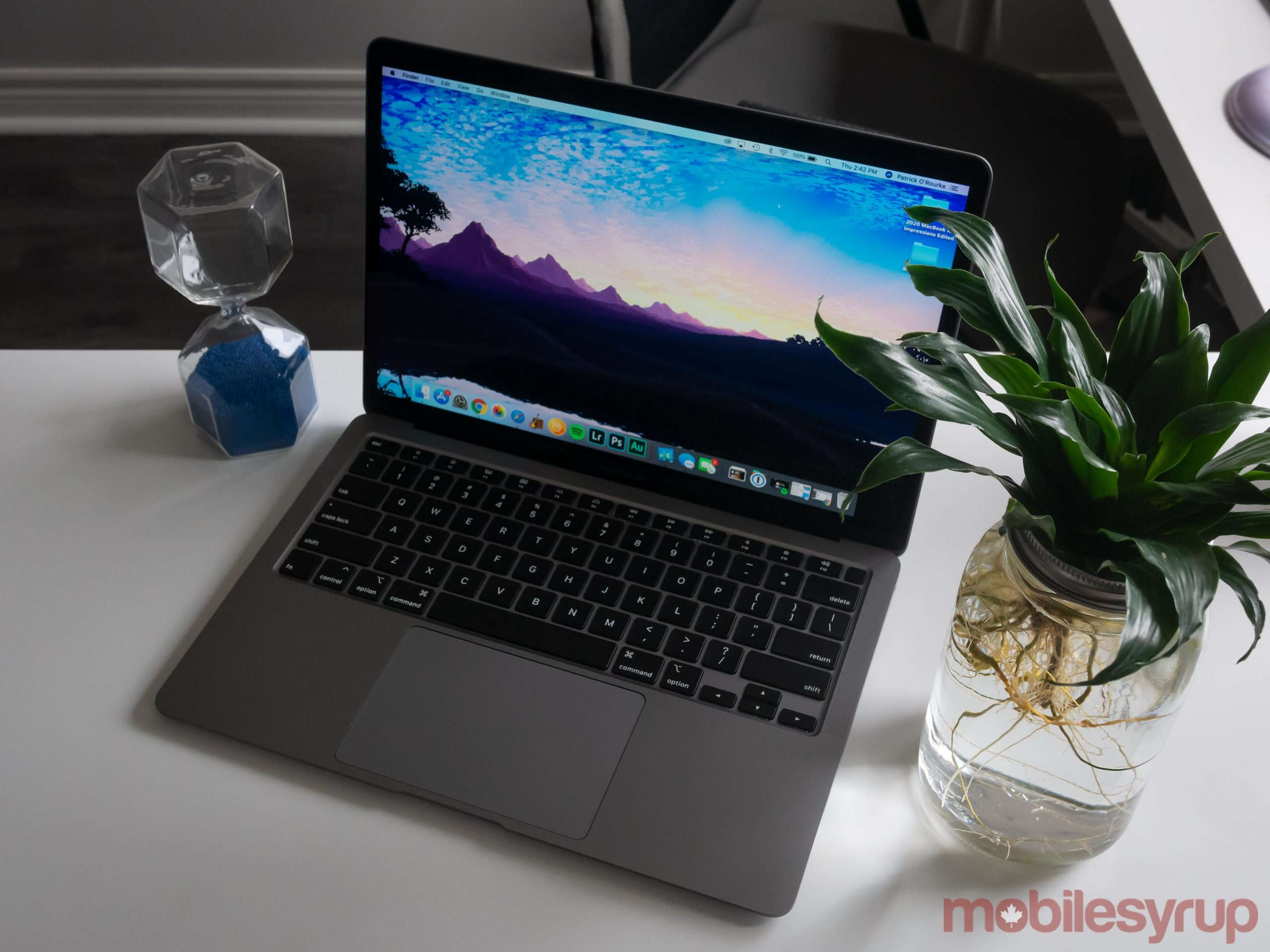 MacBook Air (2020) on an angle