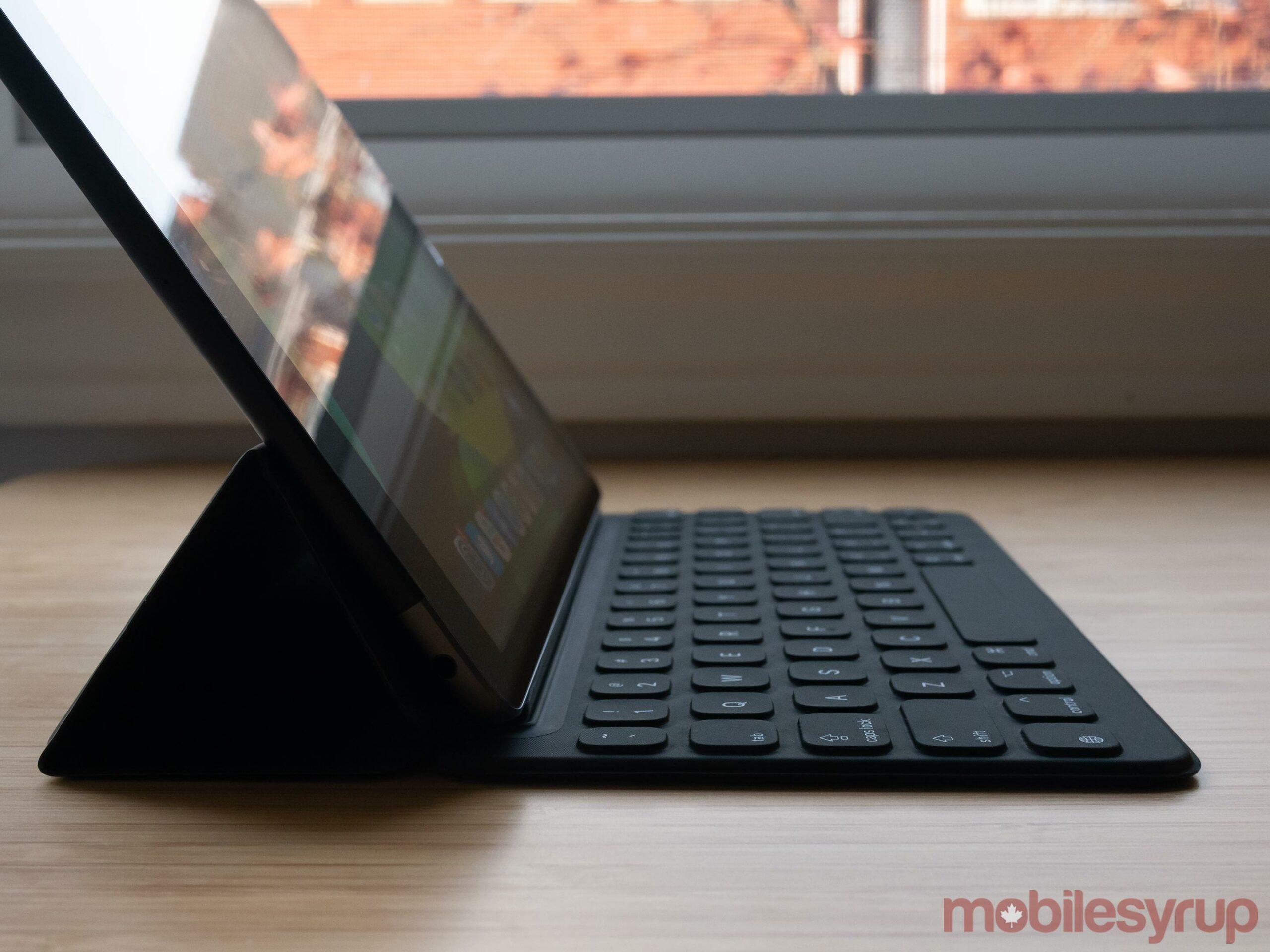 iPad (2020) side view