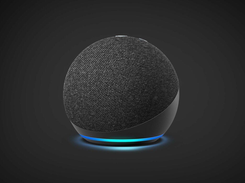 Echo Dot (4th Generation) with Sengled Smart Bulb